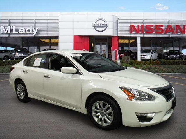 2013 nissan altima sedan 2 5 s for sale in crystal lake illinois classified. Black Bedroom Furniture Sets. Home Design Ideas