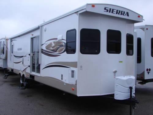 2013 Sierra 392 FK Front Kitchen Destination Trailer w/