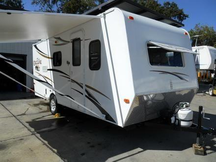 2013 Spree Escape 19BH Travel Trailer