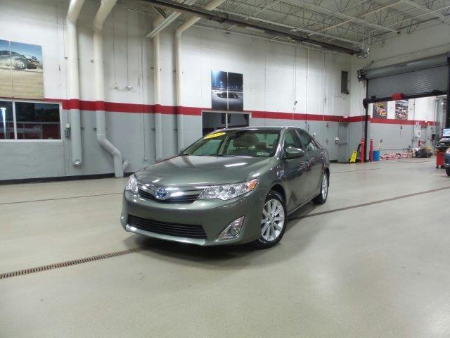 2013 Toyota Camry Hybrid XLE XLE 4dr Sedan