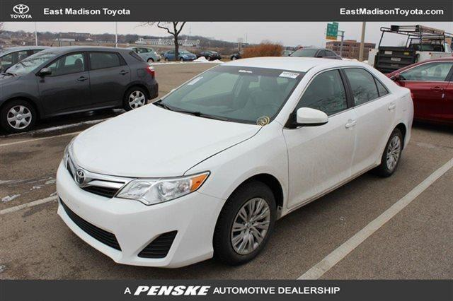 2013 toyota camry sedan 4dr sedan i4 automatic le sedan for sale in madison wisconsin. Black Bedroom Furniture Sets. Home Design Ideas