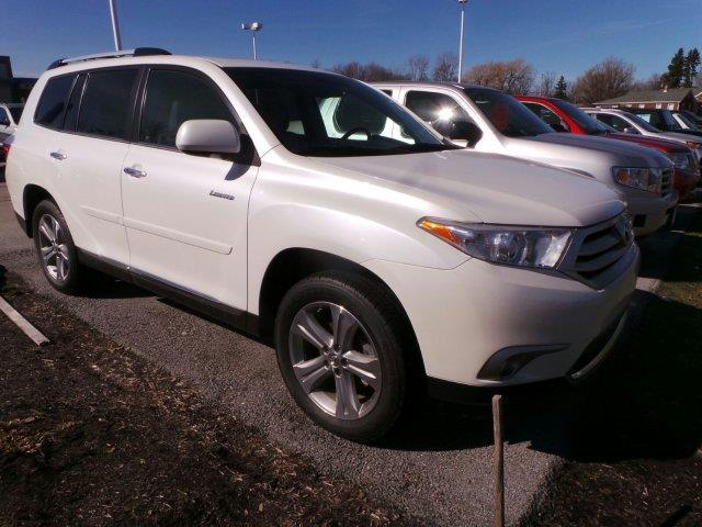 2013 toyota highlander limited awd limited 4dr suv for sale in erie pennsylvania classified. Black Bedroom Furniture Sets. Home Design Ideas