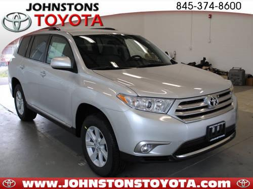 2013 toyota highlander suv awd plus for sale in new hampton new york classified. Black Bedroom Furniture Sets. Home Design Ideas