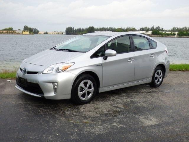 2013 toyota prius 5d hatchback for sale in miami florida classified. Black Bedroom Furniture Sets. Home Design Ideas