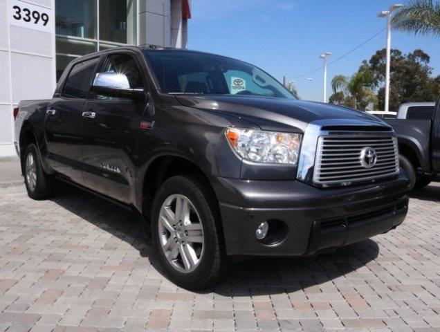 2013 toyota tundra limited 4x2 limited 4dr crewmax cab. Black Bedroom Furniture Sets. Home Design Ideas