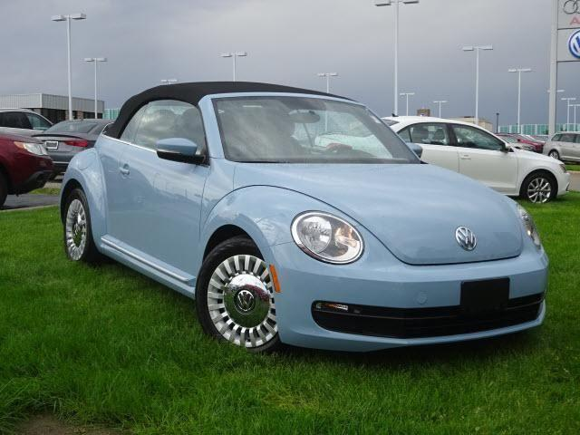 2013 volkswagen beetle convertible 2dr auto 2 5l for sale. Black Bedroom Furniture Sets. Home Design Ideas