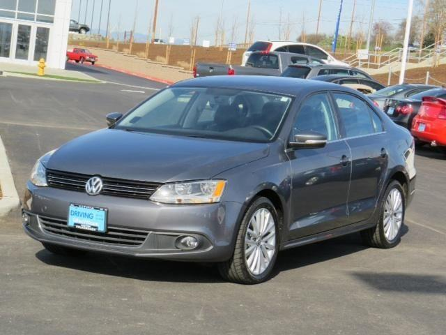 2013 VOLKSWAGEN JETTA SEDAN 4dr Car