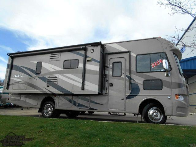 2014 ACE 27.1 Thor MotorCoach Class A Only 3,882 Miles