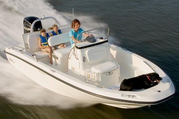 2014 Boston Whaler 180 Dauntless 150 HP Verado