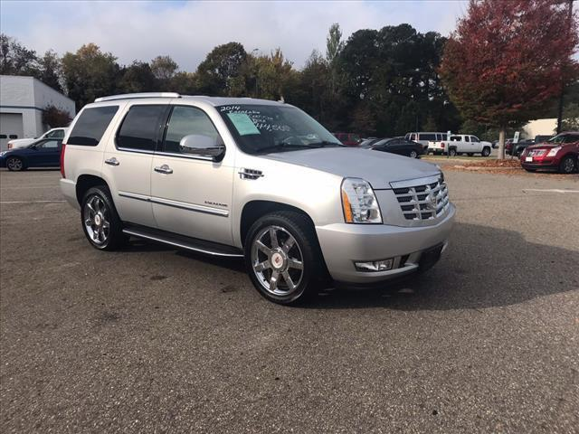 2014 Cadillac Escalade Luxury AWD Luxury 4dr SUV