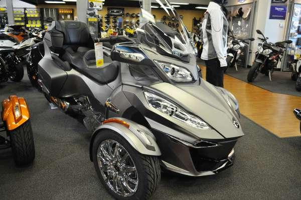 2014 can am spyder rt limited for sale in elk grove california classified. Black Bedroom Furniture Sets. Home Design Ideas