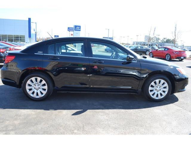2014 chrysler 200 lx athens ga for sale in athens georgia classified. Black Bedroom Furniture Sets. Home Design Ideas
