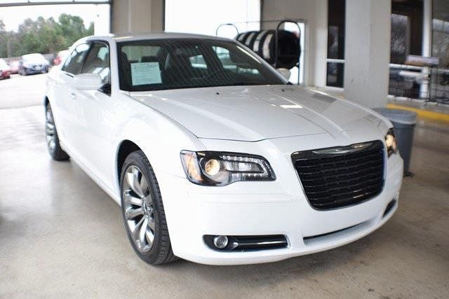 2014 Chrysler 300 S S 4dr Sedan