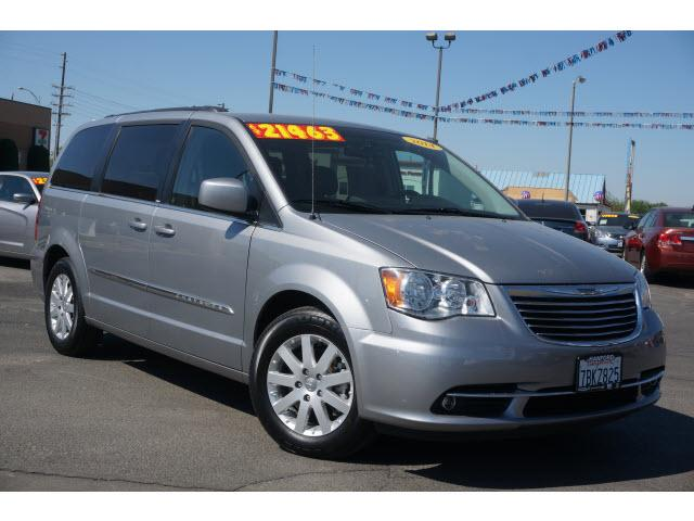 2014 chrysler town and country touring 4dr mini van for sale in hanford california classified. Black Bedroom Furniture Sets. Home Design Ideas