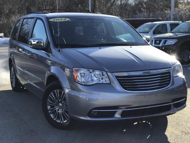 2014 chrysler town and country touring l touring l 4dr mini van for sale in auburn. Black Bedroom Furniture Sets. Home Design Ideas