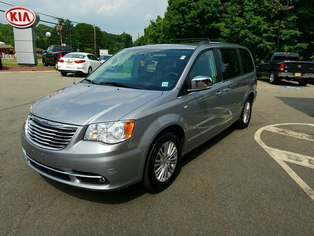 2014 chrysler town and country touring l touring l 4dr mini van for sale in allamuchy township. Black Bedroom Furniture Sets. Home Design Ideas