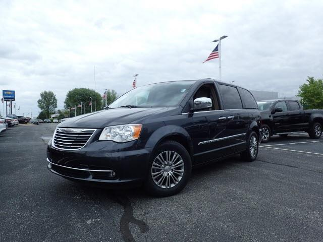 2014 chrysler town and country touring l touring l 4dr mini van for sale in camby indiana. Black Bedroom Furniture Sets. Home Design Ideas