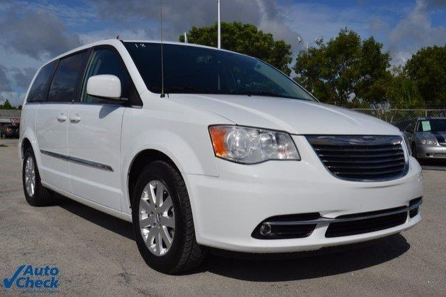 2014 Chrysler Town and Country Touring Touring 4dr