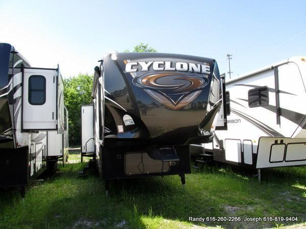 2014 cyclone 4100 king luxury toy hauler for sale in. Black Bedroom Furniture Sets. Home Design Ideas