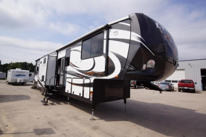 2014 Cyclone 4100 Toy Hauler 5th Wheel For Sale In