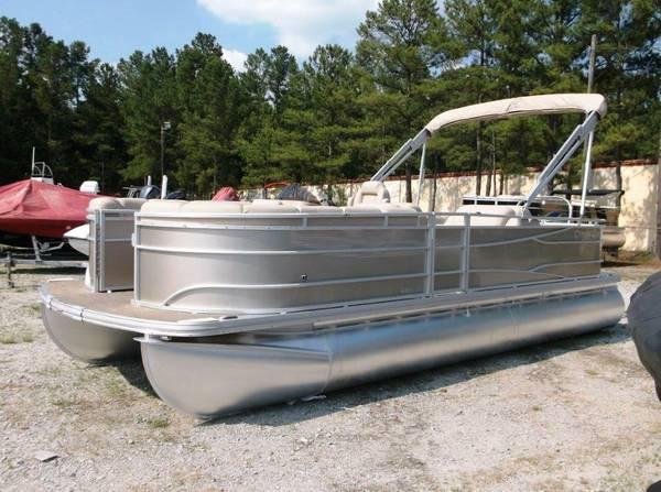 2014 Cypress Cay Cabana 220 Powered by a 150 Mercury four ...