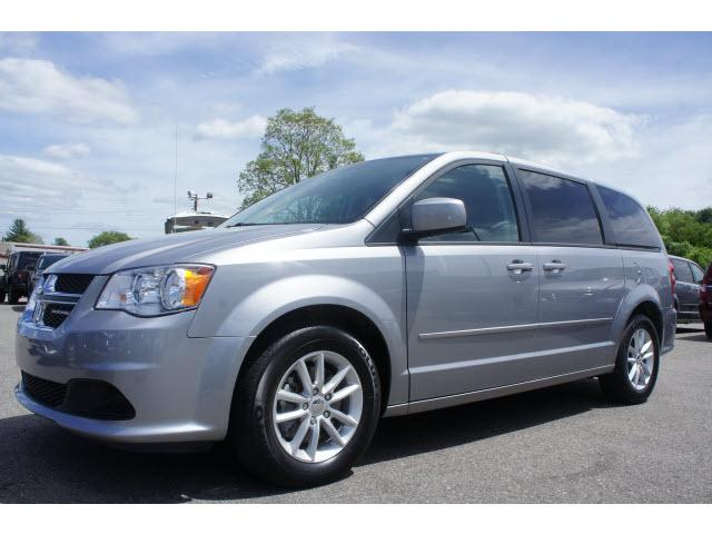 2014 dodge grand caravan sxt 4dr mini van for sale in raynham massachusetts classified. Black Bedroom Furniture Sets. Home Design Ideas