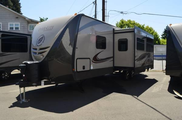 2014 EverLite 29KIS travel trailer *LED lights, heated