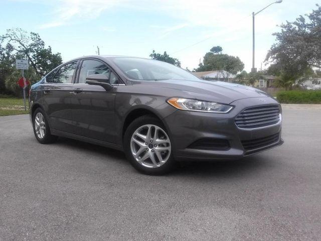 2014 FORD FUSION SE - Only 1,200 miles!!! Like New!!!
