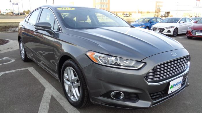 2014 ford fusion se se 4dr sedan for sale in dubuque iowa classified. Black Bedroom Furniture Sets. Home Design Ideas