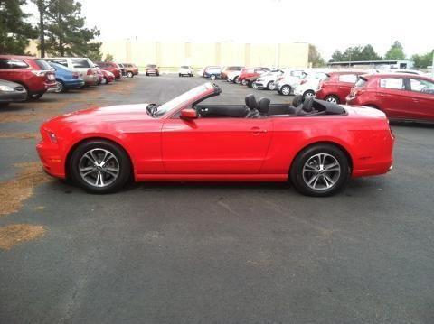2014 ford mustang 2 door convertible for sale in muscle shoals alabama classified. Black Bedroom Furniture Sets. Home Design Ideas