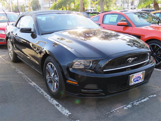 2014 ford mustang v6 premium v6 premium 2dr convertible for sale in northridge california. Black Bedroom Furniture Sets. Home Design Ideas