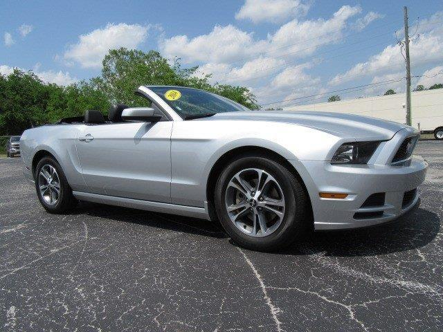 2014 ford mustang v6 v6 2dr convertible for sale in gainesville florida classified. Black Bedroom Furniture Sets. Home Design Ideas
