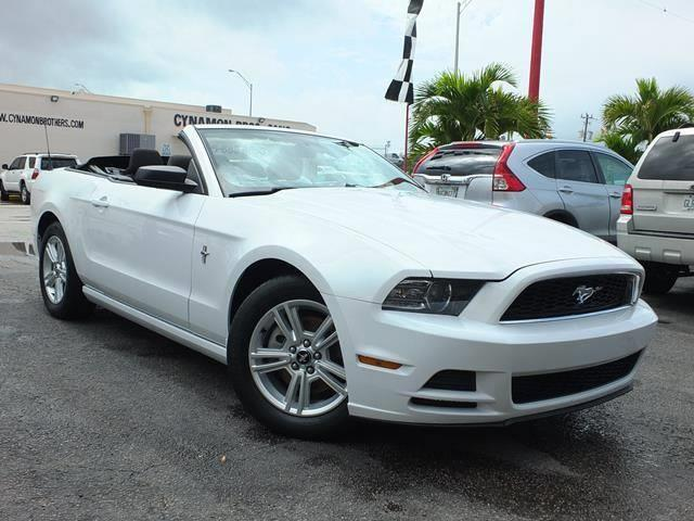 2014 ford mustang v6 v6 2dr convertible for sale in pembroke park florida classified. Black Bedroom Furniture Sets. Home Design Ideas