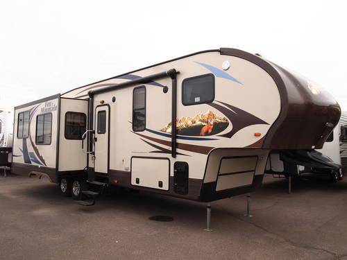 2014 Fox Mountain 325RKS 5th Wheel loaded with options