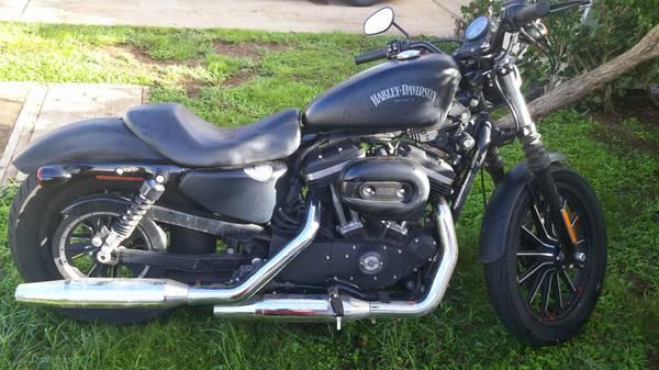 2014 Harley Davidson Sportster Iron 883 Dark Custom in