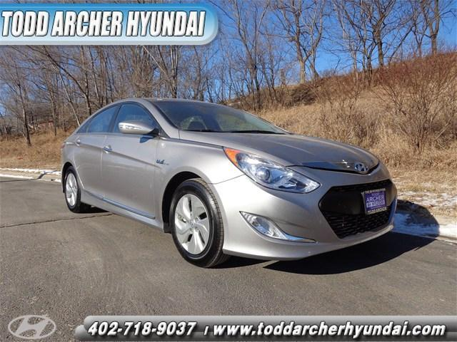 2014 HYUNDAI Sonata Hybrid Base 4dr Sedan