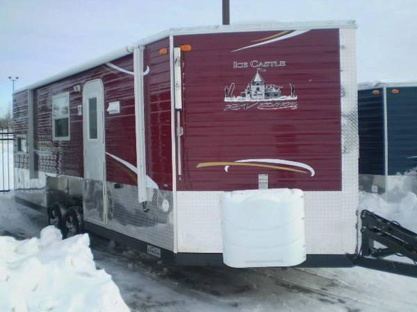2014 ice castle rv edition 8 x 21v rv edition fish house for Fish house rv