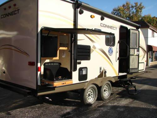 2014 K Z CONNECT 22FT TRAVEL TRAILER WITH OUTSIDE KITCHEN For Sale In