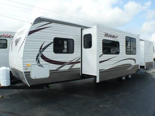 2014 keystone hideout 38fqds travel trailer 2 slideouts 2 bedrooms for sale in clyde ohio for Two bedroom travel trailers for sale