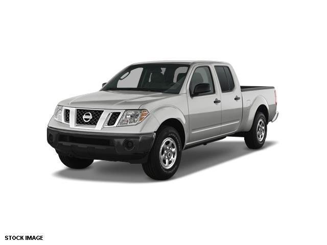 2014 Nissan Frontier SV 4x4 SV 4dr Crew Cab 5 ft. SB