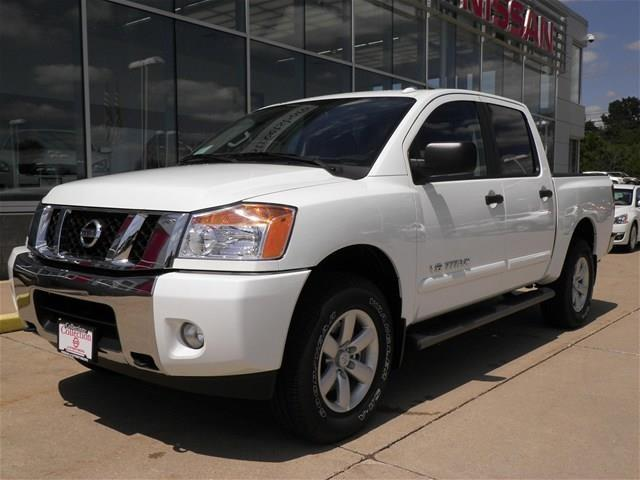 2014 nissan titan for sale in streetsboro ohio classified. Black Bedroom Furniture Sets. Home Design Ideas