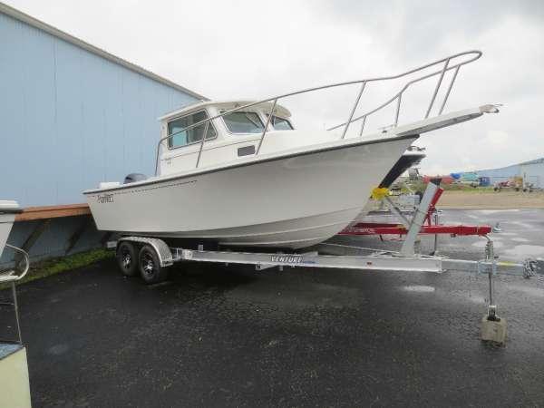 2014 Parker Boats 2120 Sport Cabin