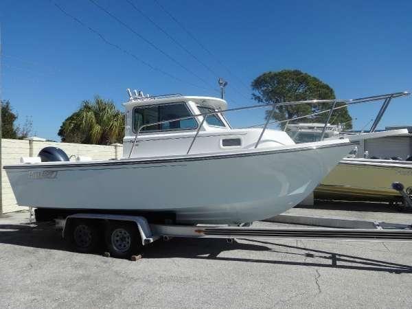 2014 Parker Boats 2120 Sport Cabin Yamaha F200 Outboard