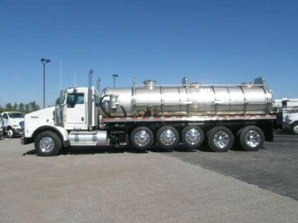 2014 Polar Tank Trucks Liquid Vacuum Trucks