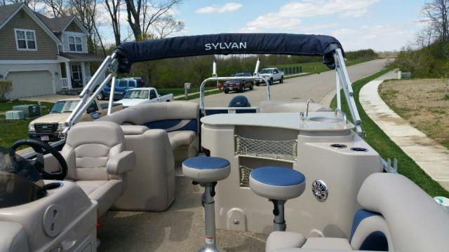 2014 Sylvan 8522 Mirage Tri Toon Lz Port Bar For Sale In