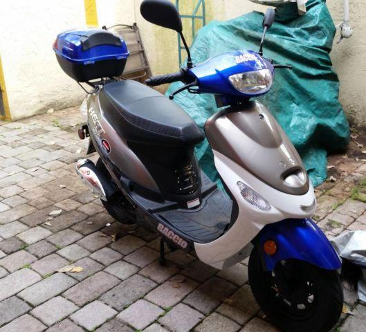2014 Tao Tao 50cc gas moped scooter with rear trunk and