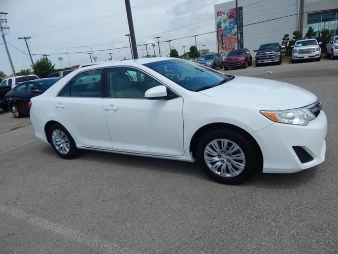 2014 toyota camry l l 4dr sedan for sale in norman oklahoma classified. Black Bedroom Furniture Sets. Home Design Ideas