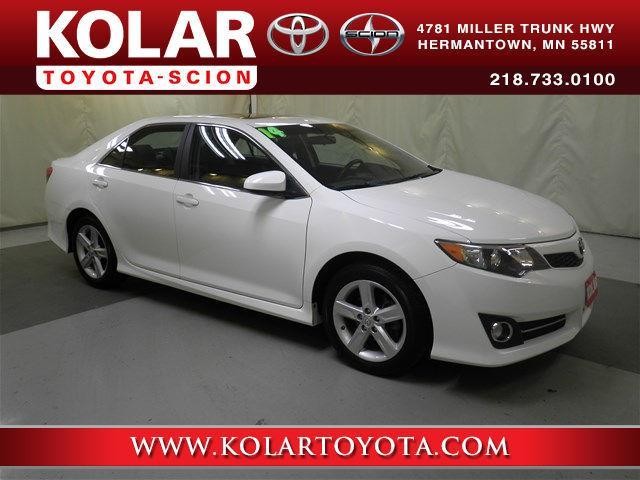 2014 toyota camry se se 4dr sedan for sale in duluth. Black Bedroom Furniture Sets. Home Design Ideas