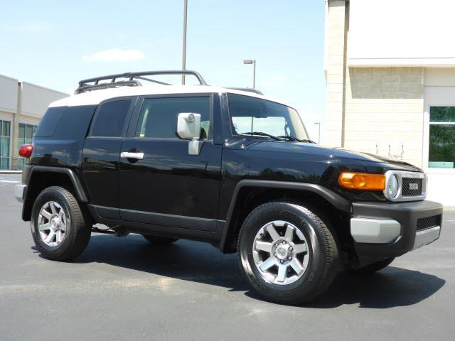 2014 toyota fj cruiser base 4x2 4dr suv for sale in chattanooga tennessee classified. Black Bedroom Furniture Sets. Home Design Ideas