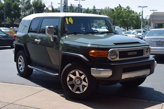 2014 toyota fj cruiser base 4x4 4dr suv 6m for sale in concord california classified. Black Bedroom Furniture Sets. Home Design Ideas